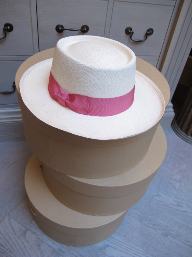 Wide brimmed with pink band