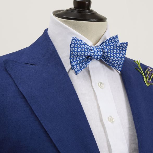 Anderson & Sheppard Bespoke Savile Row Tailors Navy linen Single-Breasted Two Piece suit Lapel Detail